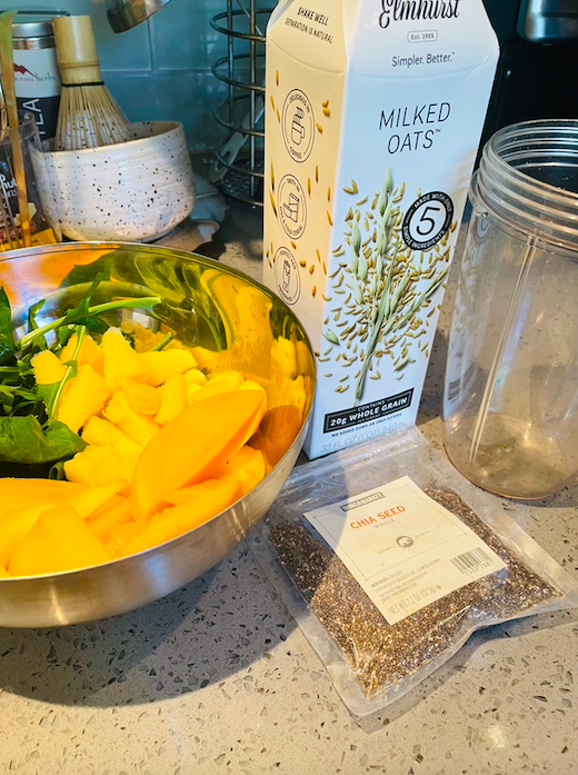Ingredients for a perfect meal replacement smoothie